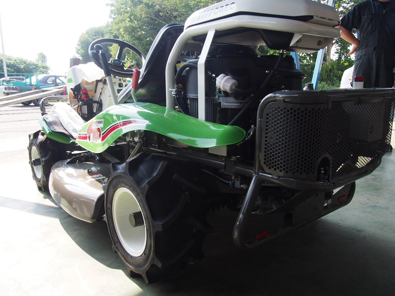 草刈りマシン